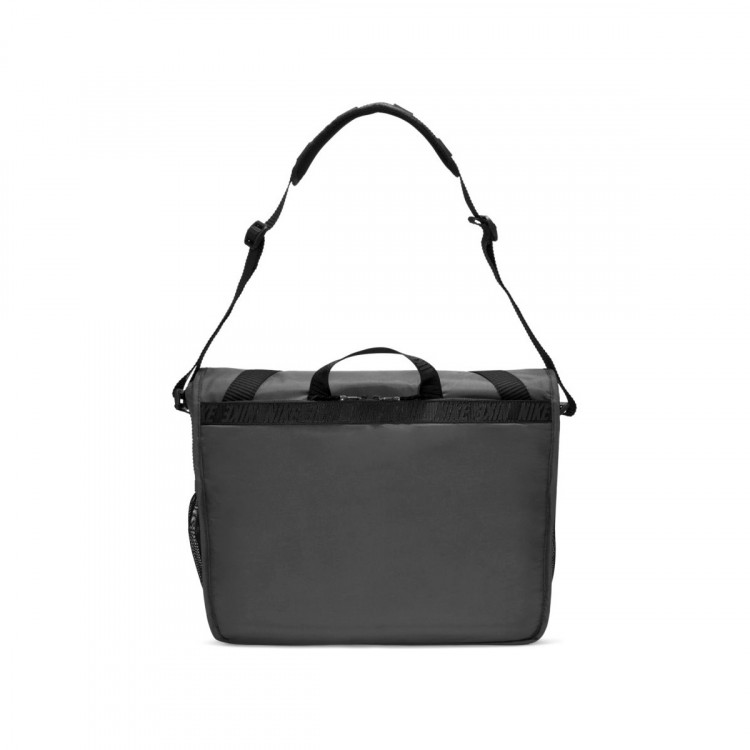 bandolera-nike-spotrswear-essentials-messenger-black-1.jpg