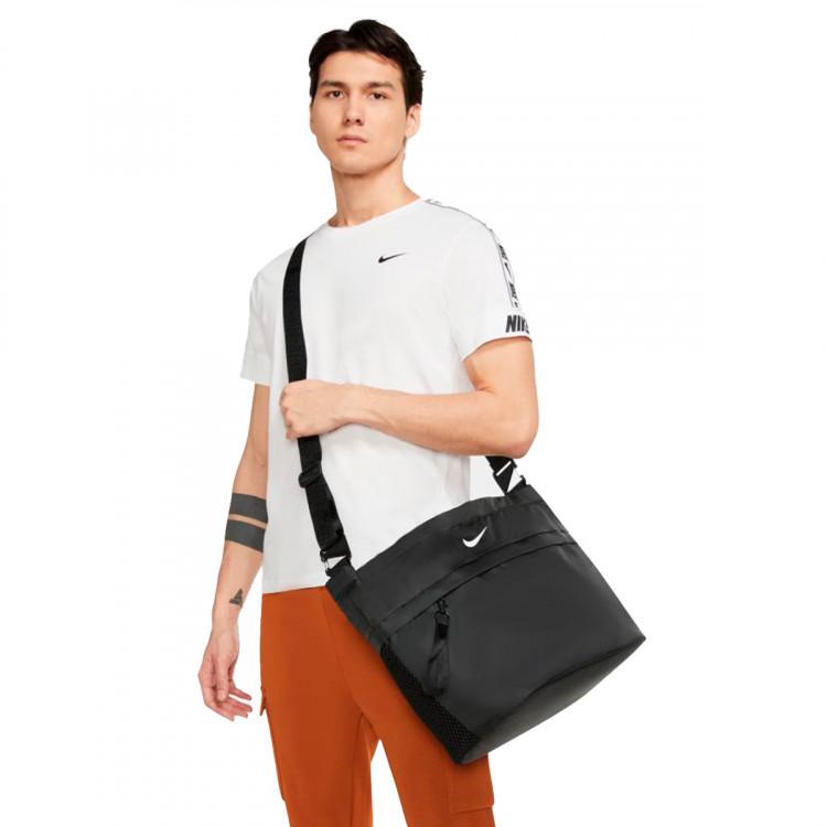 bandolera-nike-sportswear-essentials-black-2.jpg
