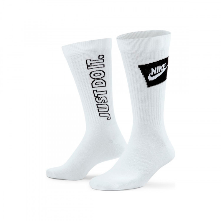 calcetines-nike-everyday-essentials-3-pares-white-0.jpg