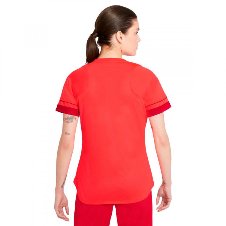camiseta-nike-academy-top-ss-mujer-bright-crimson-gym-red-volt-1.jpg