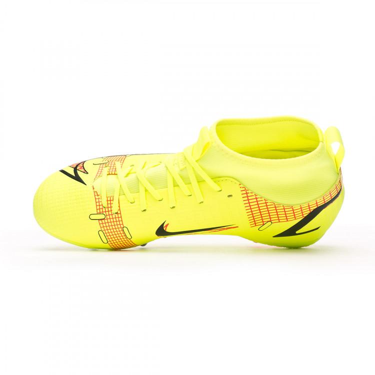 bota-nike-mercurial-superfly-8-academy-ag-nino-amarillo-4.jpg