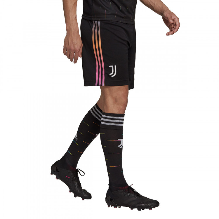 pantalon-corto-adidas-juventus-segunda-equipacion-2021-2022-black-1.jpg