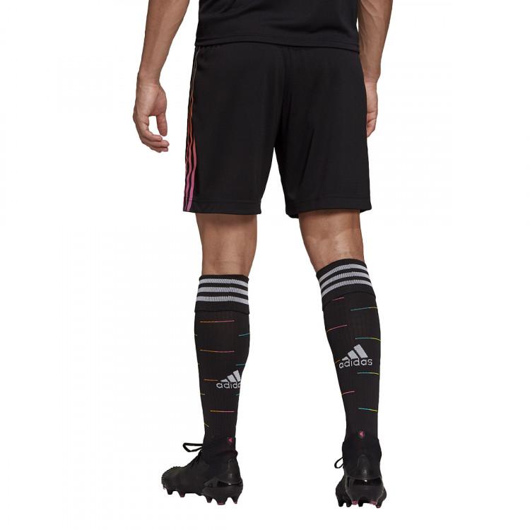 pantalon-corto-adidas-juventus-segunda-equipacion-2021-2022-black-2.jpg