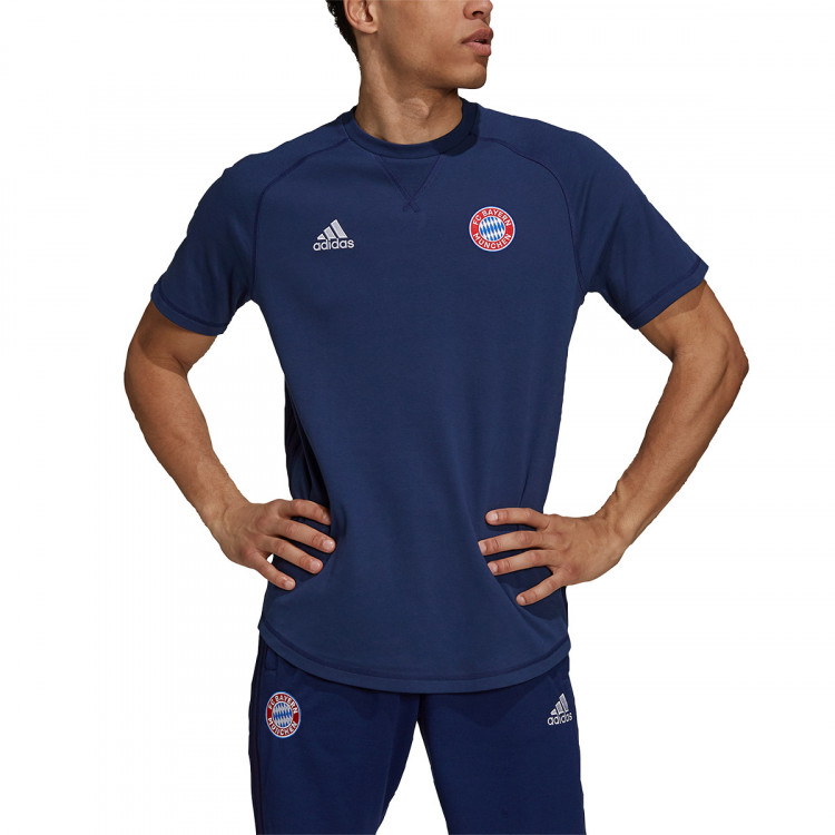 camiseta-adidas-fc-bayern-travel-tee-2021-2022-dark-blue-1.jpg