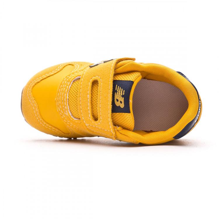 zapatilla-new-balance-dorado-4.jpg