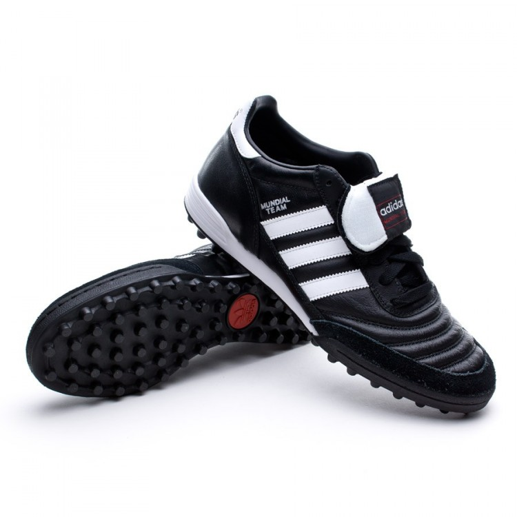 Botas De Futbol Adidas Negras Enteras