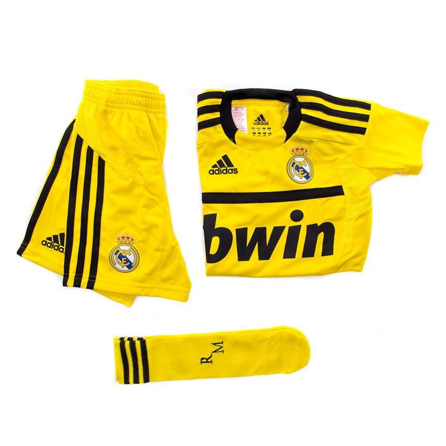 7a8696317ab Conjunto adidas Casillas 2011-2012 Niño Amarillo-Negro - Tienda de fútbol  Fútbol Emotion