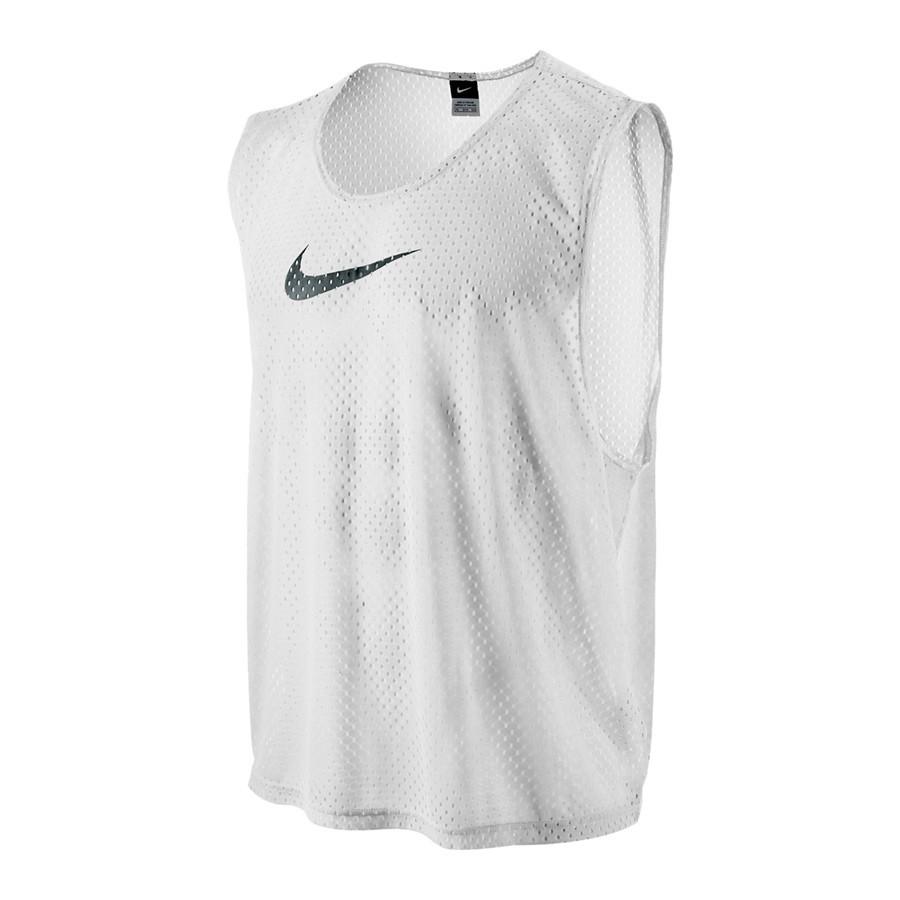 Peto Nike Team Scrimmage Blanco-Negro - Soloporteros es ahora Fútbol ... f7281e2eee1