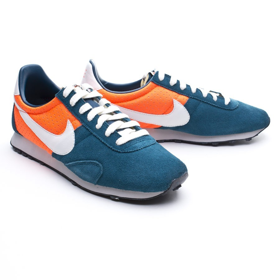 low priced 89f57 b5169 Nike Pre Montreal Racer Trainers