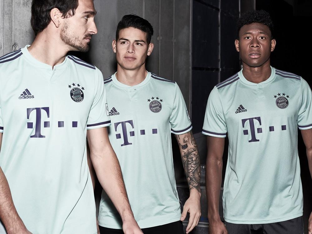 Il Bayern Monaco presenta la seconda maglia 2018/2019 - Blog ...