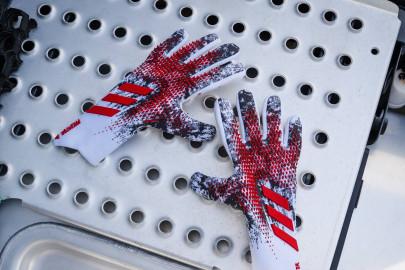 Nouveaux gants adidas predator Pro Manuel Neuer