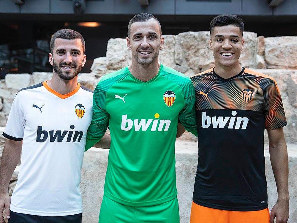 Anche la maglia del Valencia 2019/2020 è Puma - Blog - Fútbol Emotion