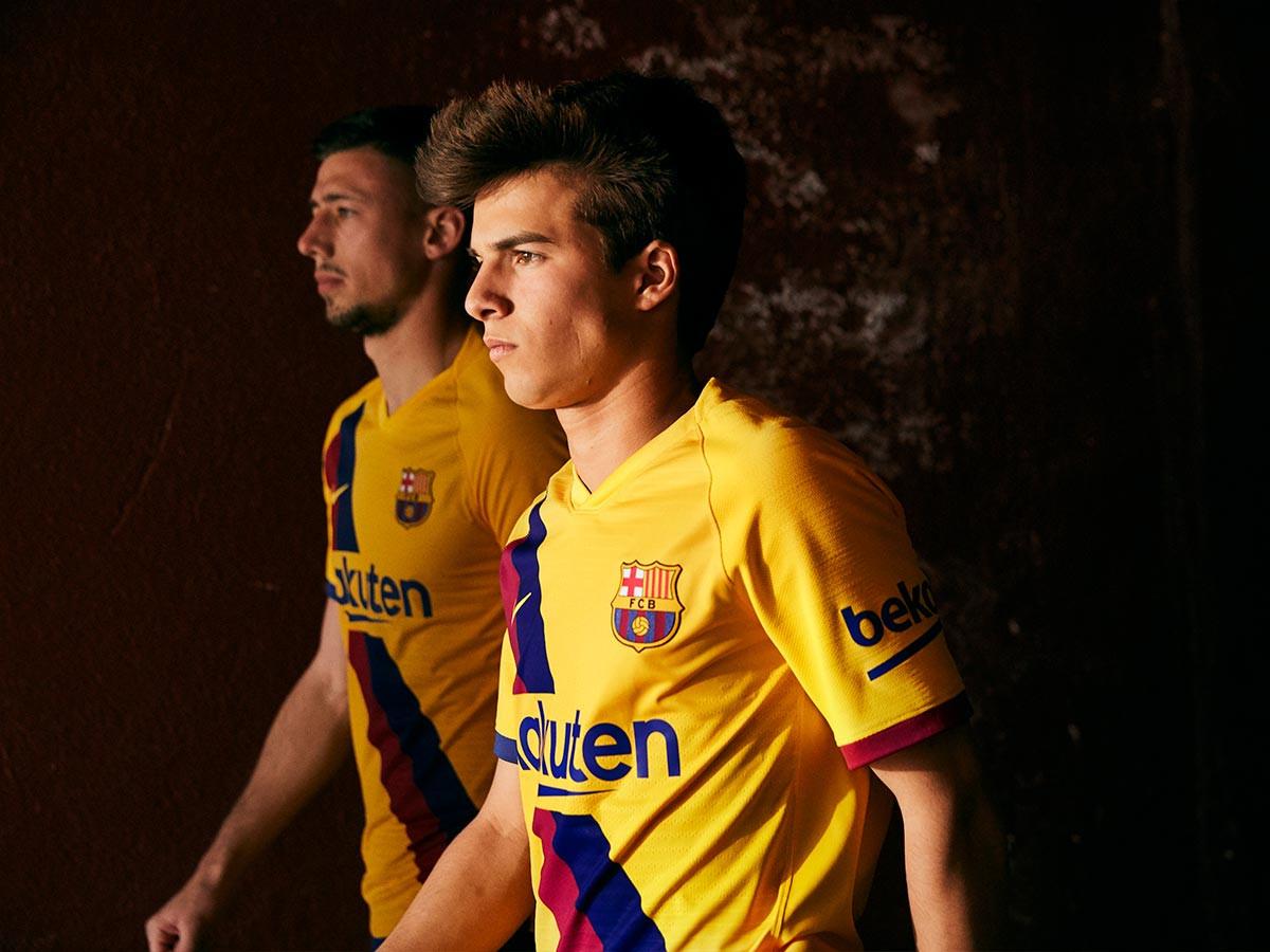 Presentata la seconda maglia del Barcellona 2019/2020 - Blog ...