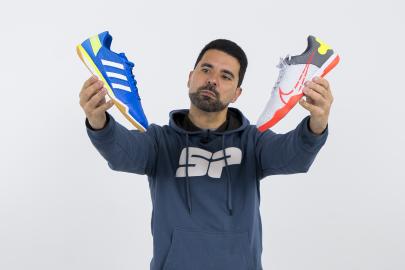Sapatilhas de futsal - Nike React Gato VS adidas Top Sala
