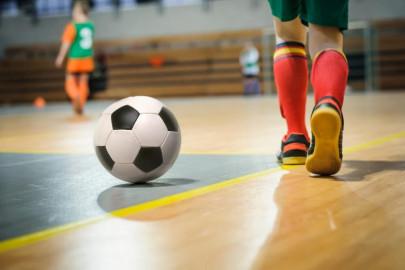 As melhores sapatilhas de futebol com velcro para crianças