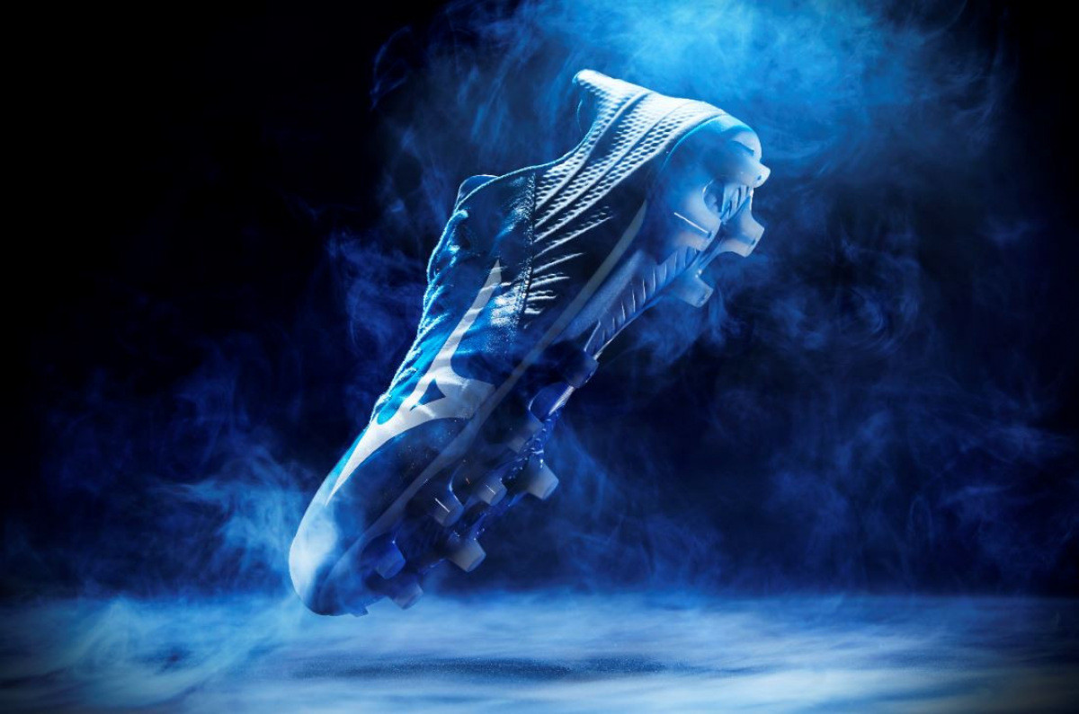 soccer cleats for wide feet 2021