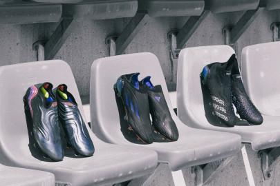Las nuevas botas negras de adidas y Nike