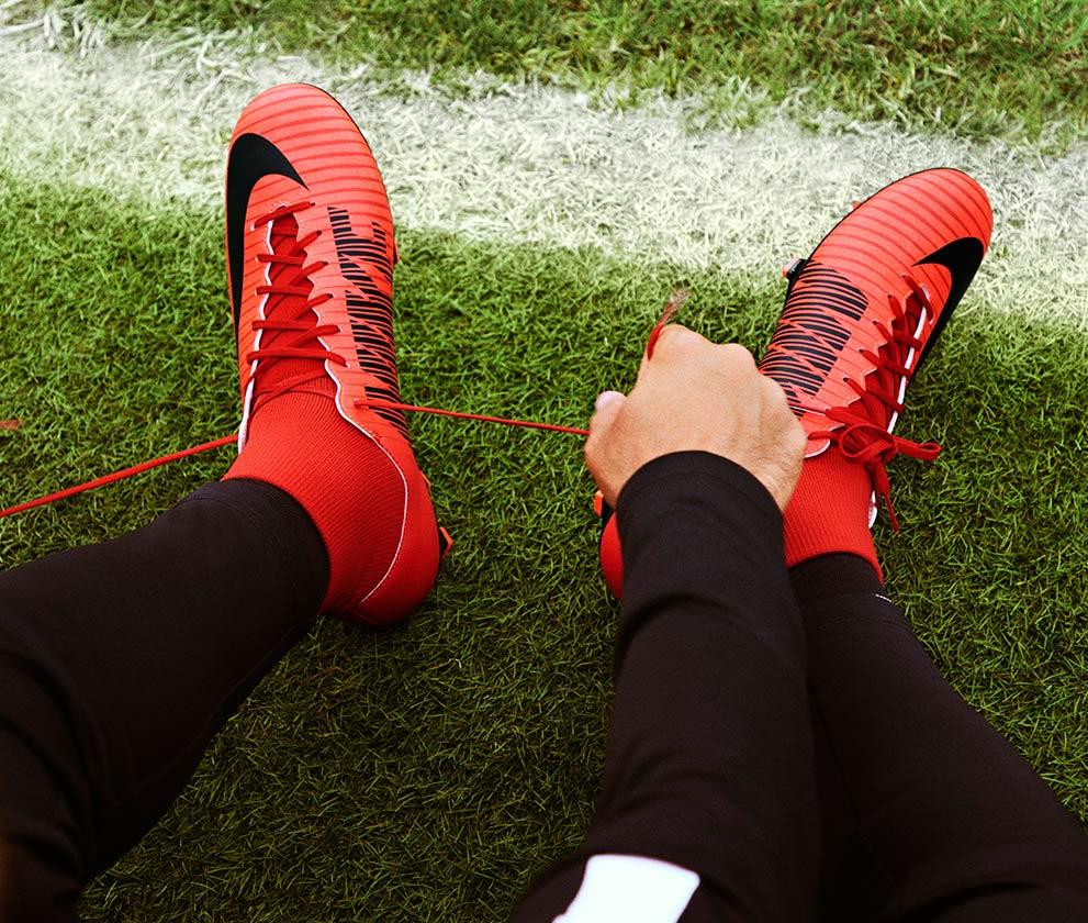 Chuteira Futsal Nike Hypervenom Phelon 2 Neymar JR Preto e