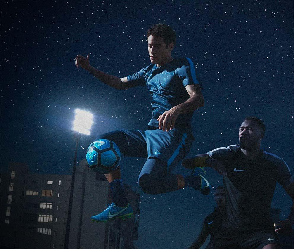 Boutique Written The Neymar Nike Stars Fútbol In De Football Emotion b7yf6gYv