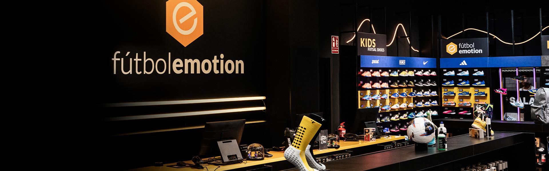 asqueroso estar impresionado Eléctrico  Valencia - Tienda de fútbol Fútbol Emotion