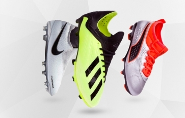 FOOTBALL BOOTS FOR KIDS