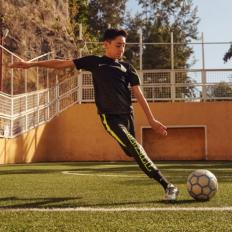 Tienda de fútbol. Soloporteros ahora es Fútbol Emotion. 930e3cddf2eb0