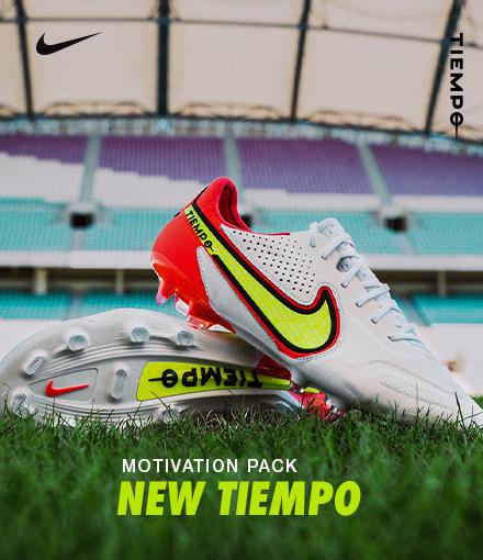 Chaussures de football Nike pour enfant. Achat de chaussures Nike ...