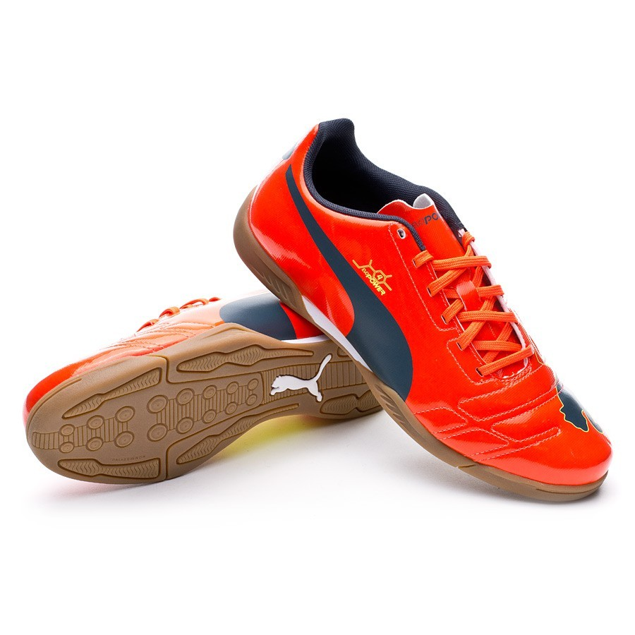 Displaying 15> Images For - Puma Indoor Soccer Shoes 2013