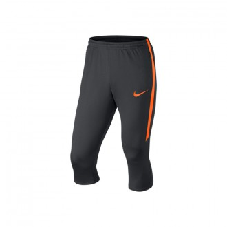Pantalón pirata  Nike Strike Antracita-Total Orange