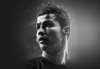 Las botas de Cristiano Ronaldo, jugador del Real Madrid. Botas de fútbol Nike Mercurial de gama alta, media y baja para césped artificial o natural para jugadores veloces.
